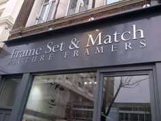I think these Picture Framers can award themselves another break point for coming up with such a smash business name… Funny Names, Funny Signs, Business Signs, Business Names, Haha Funny, Hilarious, Funny Stuff, British Shop, Shopping Humor