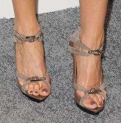 Jennifer Aniston has the cutest shoes...always sexy!