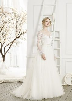 55d5671b7c4c $701 to $1500 Wedding Dress Photos, $701 to $1500 Wedding Dress Pictures  Page 5