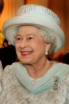 Diamond Jubilee Service of Thanksgiving and Reception: HM The Queen (05 Jun 2012) [PHOTO: JOHN STILLWELL/AFP/GettyImages]