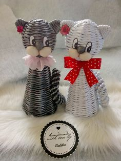 Newspaper Crafts, Weaving Patterns, Basket Weaving, Projects To Try, Stripes, Crochet, Handmade, Deco, Paper Basket