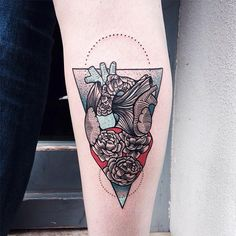#tattoofriday - JESSICA KINZER, Alemanha.                                                                                                                                                                                 Mais