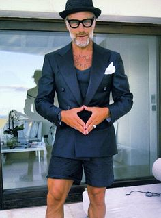 Men let's look amazing no matter how old we are!!!! Man in Pink | Gianluca Vacchi