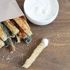 Baked zucchini fries with yummy Greek yogurt ranch dipping sauce – fun and easy snack that's healthy and delicious!