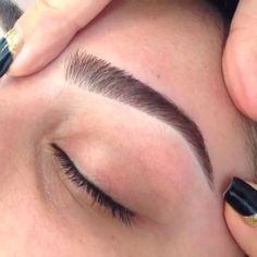 How to Shape Your Eyebrows Flawlessly: #5. Add Concealer; #eyebrows; #eyebrowsonfleek