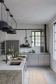 You might not know it, but there are MANY different types of sinks and faucets available in a wide range of styles, materials, configurations, and price points. Here are a few of our favorite kitchen sink ideas. #hunkerhome #kitchensinkideas #kitchenfaucetideas #kitchenideas #kitchenfaucet Ford Interior, White Interior Design, Interior Decorating, Industrial Chic Kitchen, Rustic Kitchen, Küchen Design, House Design, Cocinas Kitchen, Inspiration Design
