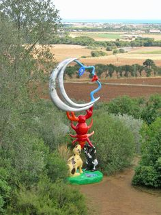 imaginative sculpture by French artist Niki de Saint Phalle. Tarot Garden (Giardino dei Tarocchi) of Capalbio, Italy. Photo by g.sighele