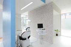 kitaoji-clinic-alts-design-office-designboom-07.jpg (818×545)