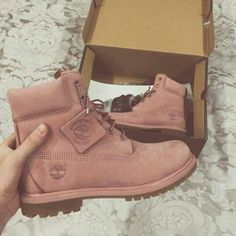 Imagem de shoes, pink, and timberland Heeled Boots, Bootie Boots, Shoe Boots, Tims Boots, Ankle Boots, Dream Shoes, Crazy Shoes, Cute Shoes, Me Too Shoes