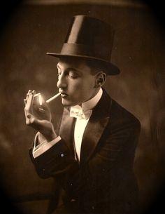 maudelynn:  Vaudeville Performer Bobby Doyle c.1921 via http://fffertileminds.blogspot.com