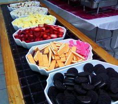 Ideas Fruit Bar Ideas Buffet Chocolate Fondue For 2019 Chocolate Fountain Bar, Chocolate Fountains, Chocolate Fondue Bar, Fondue Fountain, Fondue Party, Sweet 16 Parties, Best Fruits, Dessert Table, Sweet Tooth