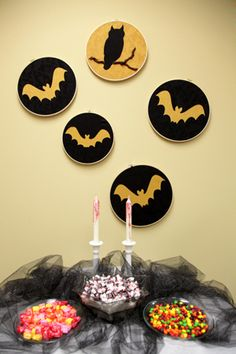 Halloween applique patterns. I think I would frame them instead of using the hoops.