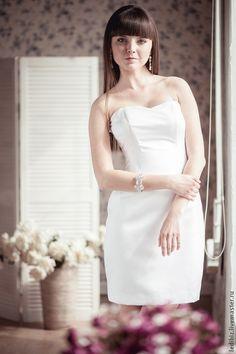 Короткое свадебное платье. Handmade.