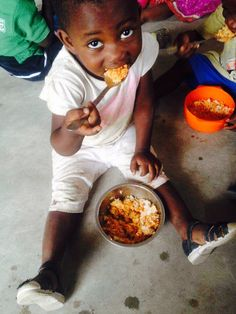 #Ghana#kasoa#endtimeschool#food#midday#rice#girl#happy#enjoy