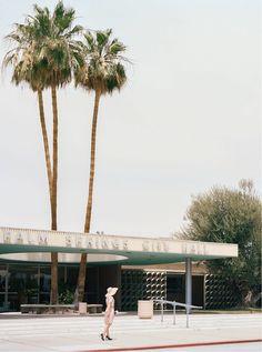 PALM SPRINGS CITY HALL (Albert Frey) - Stephanie Kloss - Tableaux, photographie, art photographique en ligne chez LUMAS