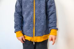 Jak ušít dětskou mikinu na zip - návod (FOREST) - Prošikulky. Knit Crochet, Sewing Patterns, Take That, Knitting, Children, Sweatshirts, Closer, Website, Young Children