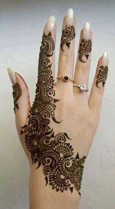 50 Most beautiful Ajman Mehndi Design (Ajman Henna Design) that you can apply on your Beautiful Hands and Body in daily life. Henna Hand Designs, Mehndi Designs For Girls, Modern Mehndi Designs, Wedding Mehndi Designs, Beautiful Mehndi Design, Henna Tattoo Designs, Tattoo Ideas, Hand Mehndi, Tattoos