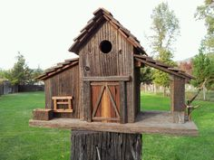 barn with 2 side structures barn with 2 side structures Decorative Bird Houses, Bird Houses Diy, Fairy Houses, Bird House Plans Free, Casas Country, Bird House Feeder, Bird Feeders, Barn Wood Projects, Wooden Bird