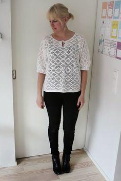 Crocheted top and black jeans / Kotisaari