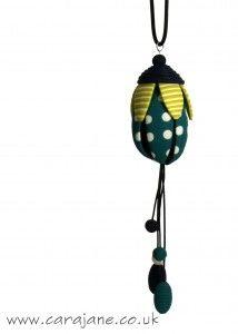 Cara Jane - Jana Lehmann workshop colourful Calyx Pendant