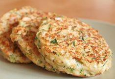 Zucchini steaks with cashew and chickpeas – About Healthy Meals Easy Healthy Recipes, Raw Food Recipes, Veggie Recipes, Cooking Recipes, Healthy Meals, Vegetarian Cooking, Vegetarian Recipes, 300 Calorie Lunches, Zucchini