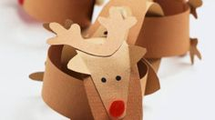 Make these cool paper chains by linking cute reindeer loops and adding a Santa to the end for an extra-special Christmas combo.