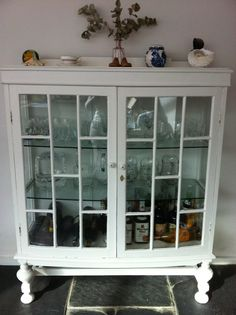 Drinks cabinet...i would  love this