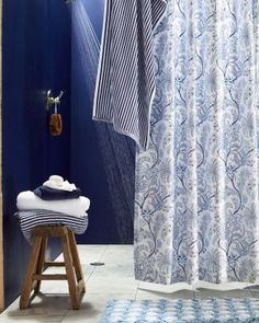 Coordinate your bath and bedding with this light and airy shower curtain. It's fashioned from the same 400 thread count long-staple Egyptian cotton as our Lyon Bedding. And it's sateen, so the weave has a subtle luster that catches the light, an ideal look for the bath.