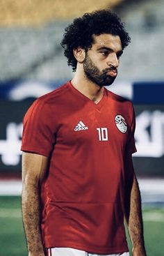 Egyptian king running down the wing Premier League, M Salah, Liverpool Fc Wallpaper, Salah Liverpool, Arab Celebrities, Egyptian Kings, Club World Cup, World Cup Winners, Mohamed Salah