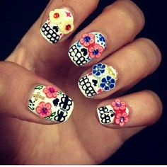 Mexican Day of the Dead-themed nails. Amazing.
