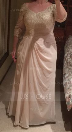 A-Line/Princess V-neck Floor-Length Ruffle Zipper Up Sleeves Sleeves No Taupe General Plus Chiffon Lace US 2 / UK 6 / EU 32 Mother of the Bride Dress Best Formal Dresses, Plus Size Evening Gown, Mother Of The Bride Dresses Long, Curvy Dress, Mom Dress, Saree Gown, Bride Gowns, Party Wear Dresses, Gowns With Sleeves