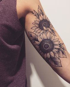 Sleeve tattoos may consist of small tattoos or an entire large pattern, but of course they are extremely meaningful. Head Tattoos, Cute Tattoos, Beautiful Tattoos, Body Art Tattoos, Small Tattoos, Tattoos For Guys, Tatoos, Sleeve Tattoos For Women, Sunflower Tattoo Sleeve