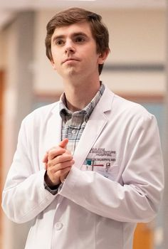 ABC announced that The Good Doctor has been renewed for season three. The medical Freddie Highmore, Antonia Thomas, Hill Harper, Tv Series 2017, Drama Tv Series, Good Doctor Series, The Good Dr, Shaun Murphy, Medical Wallpaper