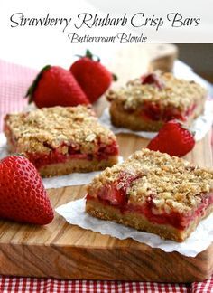Strawberry Rhubarb Crisp Bars | ButtercreamBlondie.com