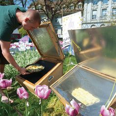 Everyday Solar Cooking - Renewable Energy - MOTHER EARTH NEWS
