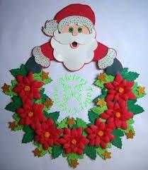 decoraciones de navidad con velas - Buscar con Google Felt Christmas Decorations, Christmas Colors, Christmas Crafts, Christmas Ornaments, Santa Crafts, Felt Crafts, Diy And Crafts, Wreath Crafts, Christmas Pictures