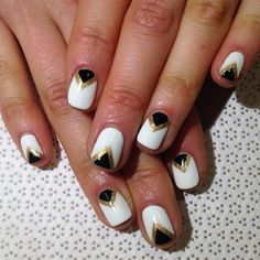 Beautiful winter manicure you should definitely try.