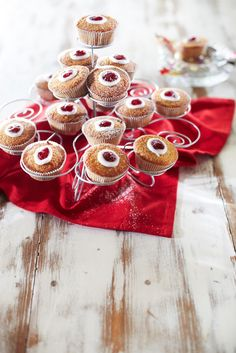 Runebergin tortut   K-ruoka #runeberginpäivä Baking Party, Mini Cupcakes, Tart, Holiday Decor, Cooking, Desserts, Food, Kitchen Ideas, Drinks