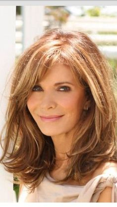 Haircuts For Long Hair With Layers, Layered Hair With Bangs, Long Layered Hair, Layered Haircuts, Layered Bobs, Medium Length Layered Hairstyles, Long Face Hairstyles, Classic Hairstyles, Female Hairstyles