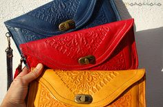 Elegant leather bag with metal clasp. Quality Leather by Moroccoco