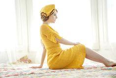 Vintage 1930s yellow knit beret hat brown orange floral