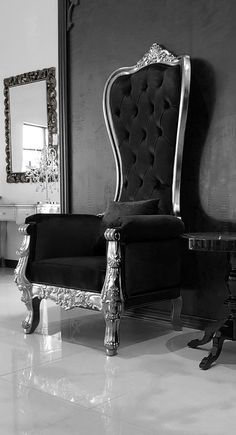 Baroque Throne Chair Queen High Back Chair in Black Velvet and Silver Frame Shabby Chic Table And Chairs, Dining Room Table Chairs, Leather Dining Room Chairs, Outdoor Dining Chairs, Leather Chairs, Scandinavian Dining Chairs, Industrial Dining Chairs, Farmhouse Dining Chairs, Industrial Office