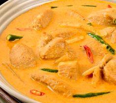 Recette du poulet Panang (curry rouge) au lait de coco  