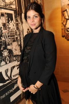 How fashion insiders do maternity chic: Julia Restoin Roitfeld