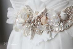 Ornately Decorated Starfish and Seashell Beach Wedding by LAmei