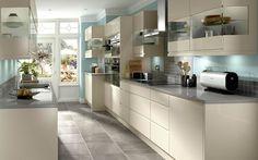 Here you will find Kitchen Design Ideas for your current or new kitchen. Galley Kitchen Design, Best Kitchen Designs, Gloss Kitchen, Kitchen Grey, Handleless Kitchen, Küchen Design, Design Trends, Design Ideas, Interior Design