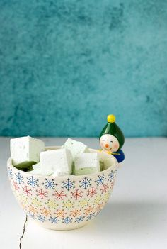 Creme de Menthe Marshmallows.  Easy to make, puffy, minty marshmallows great for hot cocoa, s'mores and for gifts! - BoulderLocavore.com