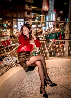 Nowadays, it is impossible to maintain this fast hype cycle, never mind every new drop. It is able to keep up with the wider footwear trends, though, Pantyhose Fashion, Black Pantyhose, Beautiful Legs, Beautiful Asian Girls, Asian Fashion, Girl Fashion, Sexy Legs, Asian Woman, Asian Beauty