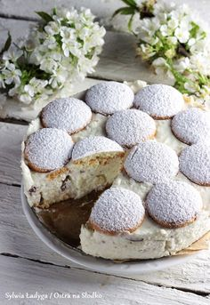 SERNIK KOKOSOWY Z BIAŁĄ CZEKOLADĄ BEZ PIECZENIA Coconut Cheesecake, My Dessert, White Chocolate, Camembert Cheese, Cake Recipes, Cooking Recipes, Cupcakes, Tasty, Muffins