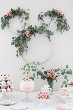 Not your typical Minnie Mouse Tea Party Second Birthday. Pretty pink and greenery makes a sophisticated feel. Minnie mouse party ideas & kid& birthday ideas & The post Minnie Mouse Tea Party Second Birthday appeared first on Dekoration. Birthday Party Decorations Diy, Bridal Shower Decorations, Birthday Parties, Party Wall Decorations, Birthday Celebration, Birthday Diy, Elegant Party Decorations, One Year Birthday, Floral Decorations